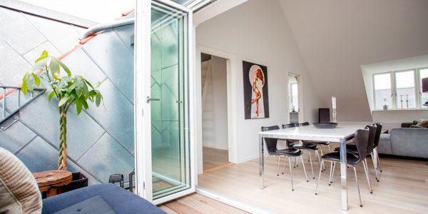 Moderne indretning og stort lysindfald er nogle af de egenskaber, der gør tagboligerne populære blandt boligsøgende.